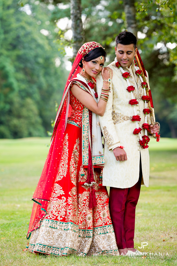 9c3883d11c 47 reena sanjay hindu wedding copthorne effingham bride groom portraits